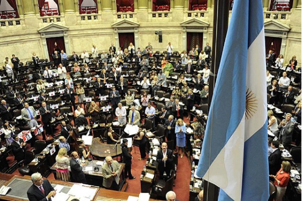 Con los cambios propuestos por la oposición, se aprobó el paquete fiscal de Kicillof