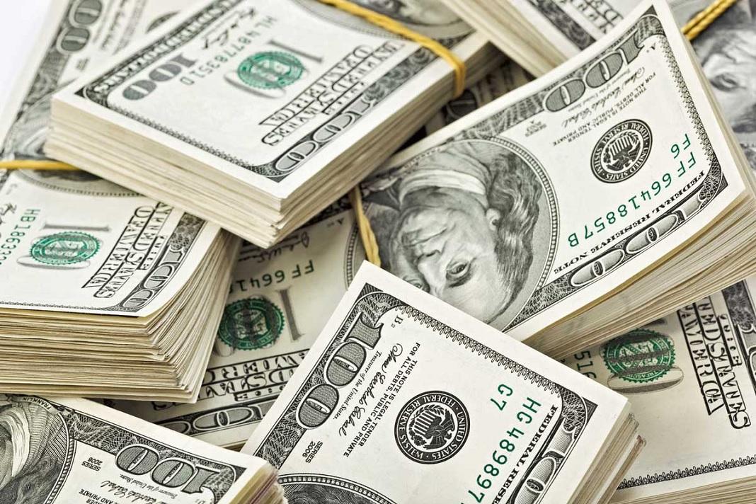 En la primera semana del cepo duro, el dólar cayó $1,65 a $63,35