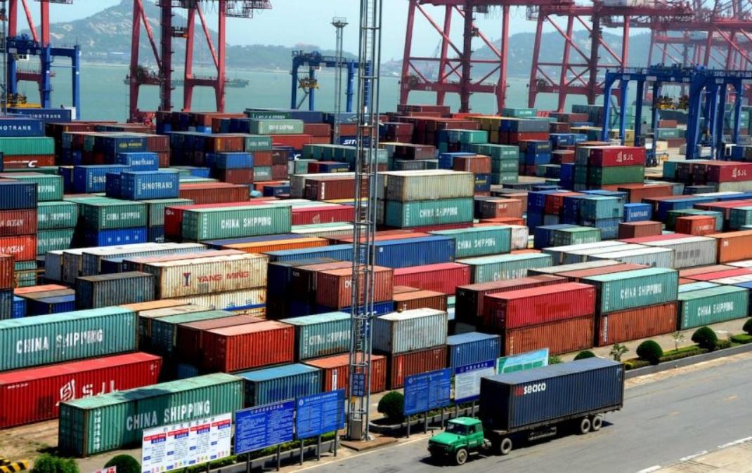 Analiza disponer libremente de un % de los dólares generados de exportación