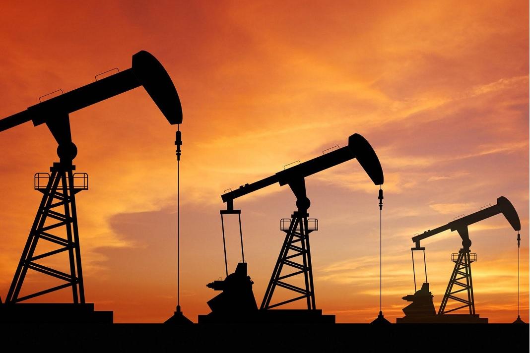 El precio del petroleo retrocede pese a estímulos en EE.UU.