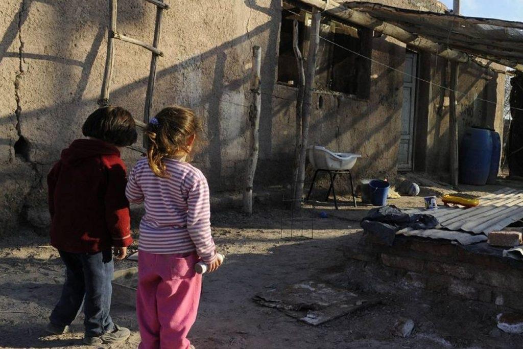 El 47% de los argentinos es pobre, vive en la precariedad