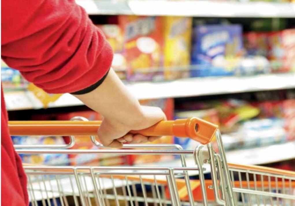 Por el dólar, se espera caída de consumo del 2%