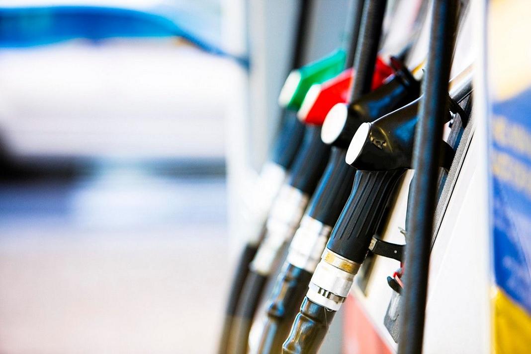 """""""Falta que las naftas suban 10% para llegar al precio internacional"""""""