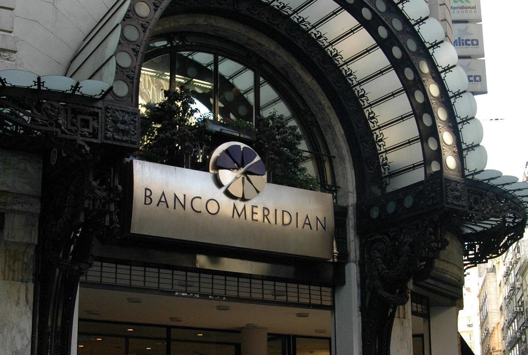 Calificadora mejoró la nota a Banco Meridian