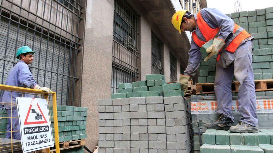 El dólar planchado hace menguar el mercado de la construcción de viviendas