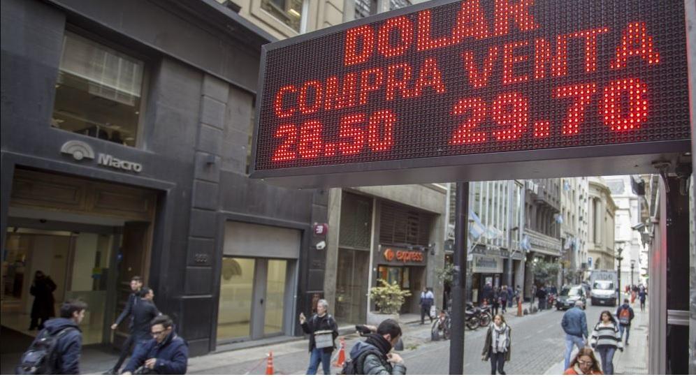 La crisis cambiaria actual aún no jaquea a bancos
