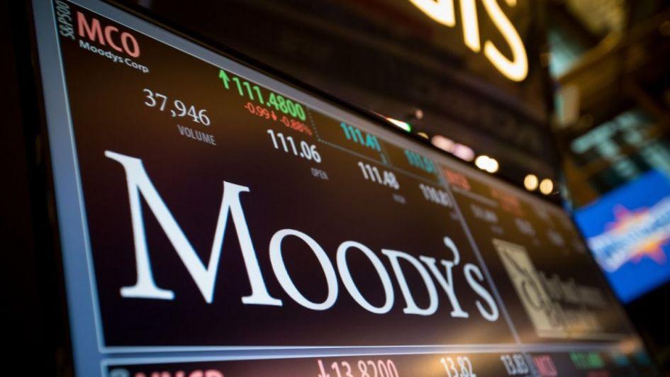Moody's elevó perspectiva de la deuda de negativa a estable