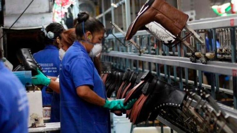 El personal licenciado por covid llega al 30% y los costos presionan a  las empresas