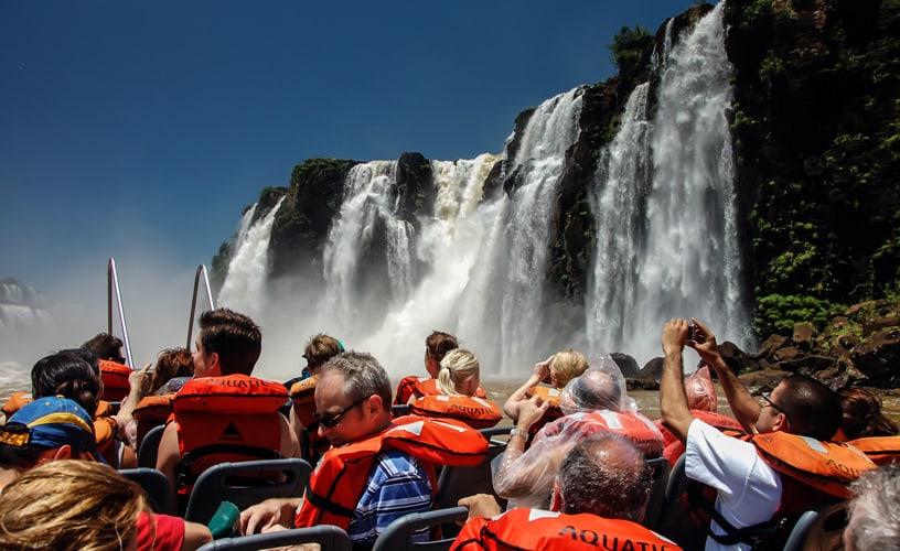 Cuánto invierten los argentinos en viajes