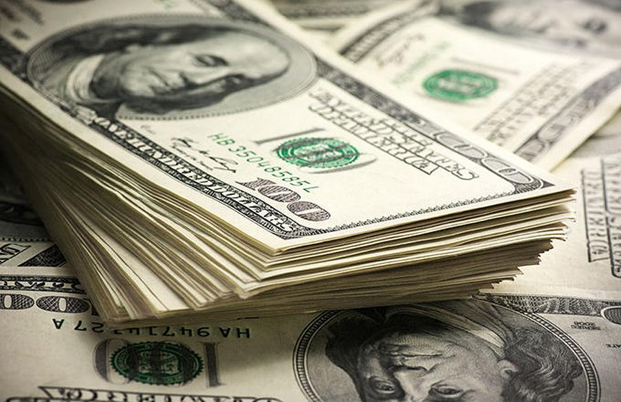 El dólar sigue en alza y se amplia la brecha