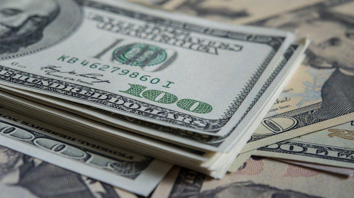 Abandonan el plan de refinanciación del Gobierno y compran dólares