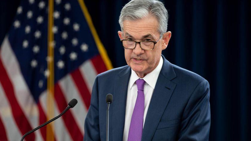 Powell habla del fuerte compromiso de la Fed, pero los inversores querían más detalles