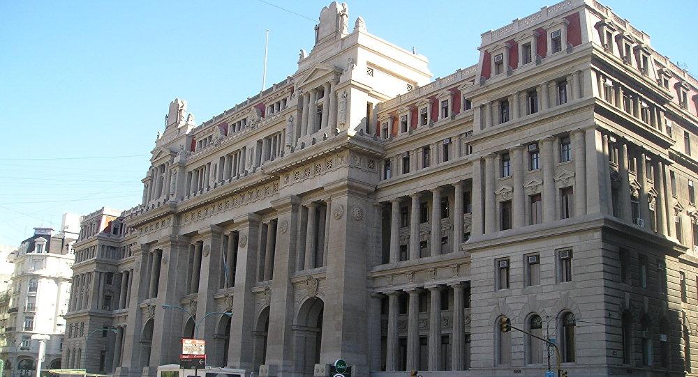 La Corte se pronunció sobre el DNU y respaldó la autonomía porteña, en medio de un clima complejo para el Presidente