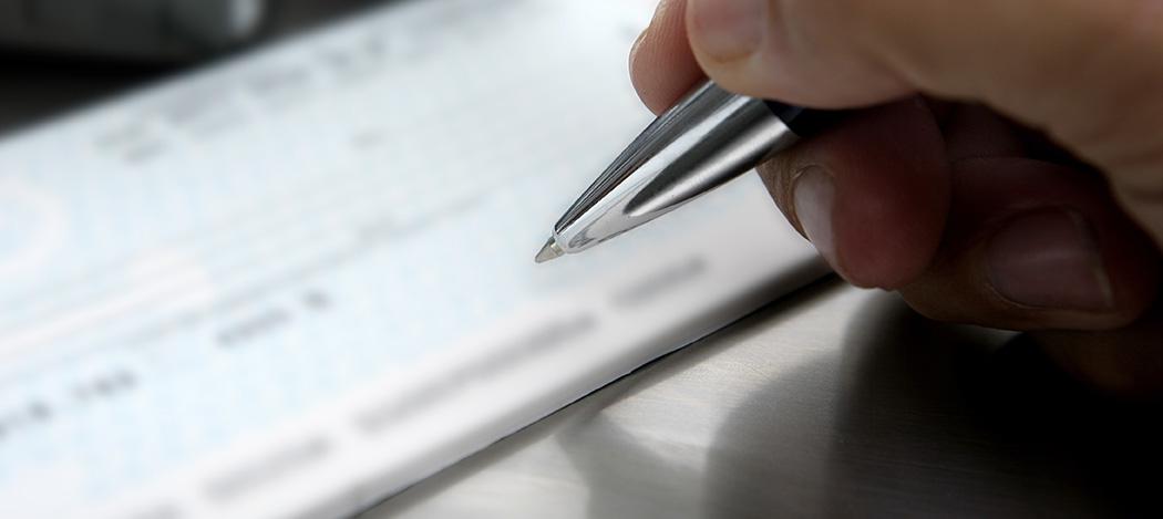 Cheques: tasas de descuento en el mercado suben 20 puntos