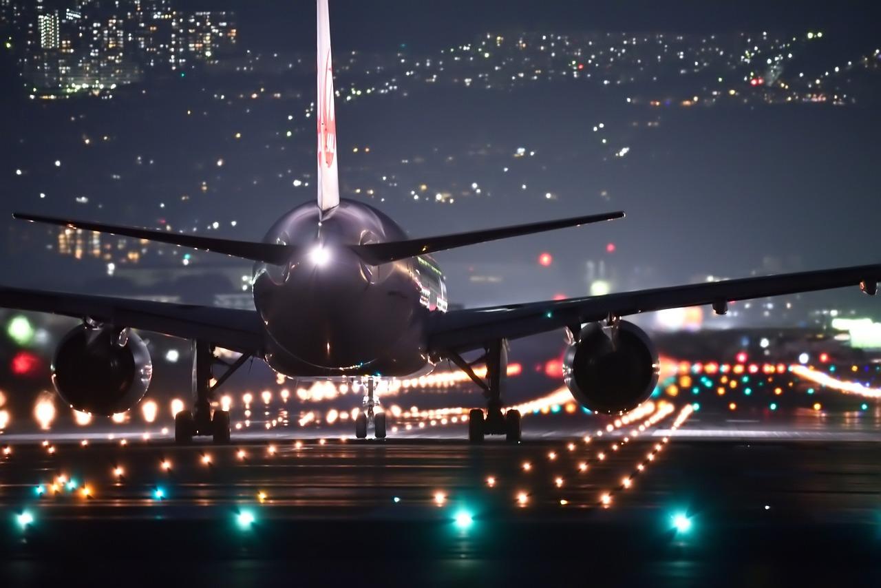 El Gobierno confirma que en octubre retornarían los vuelos comerciales regulares