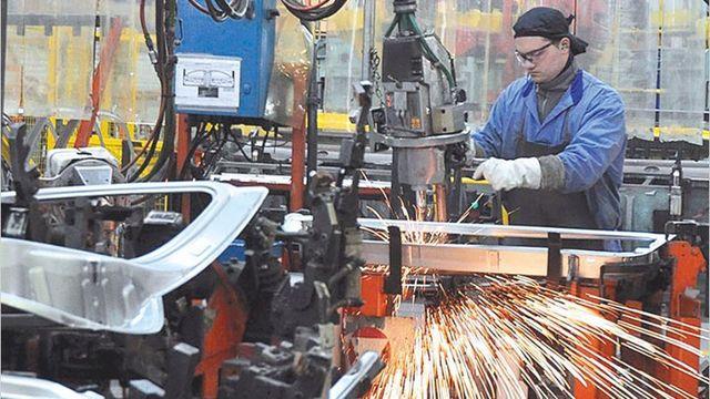 A partir de hoy las automotrices de la Argentina reiniciarán su producción