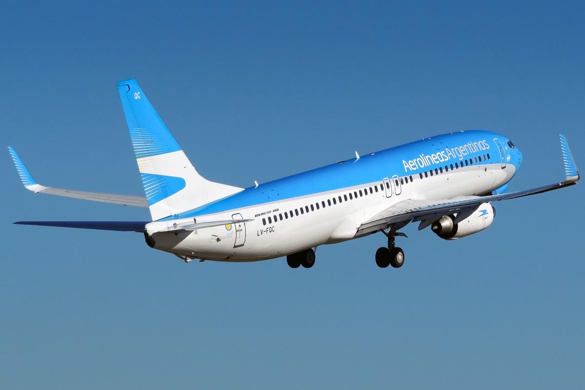 Los pasajes al exterior de Aerolíneas Argentinas no estarán alcanzados por el 30%