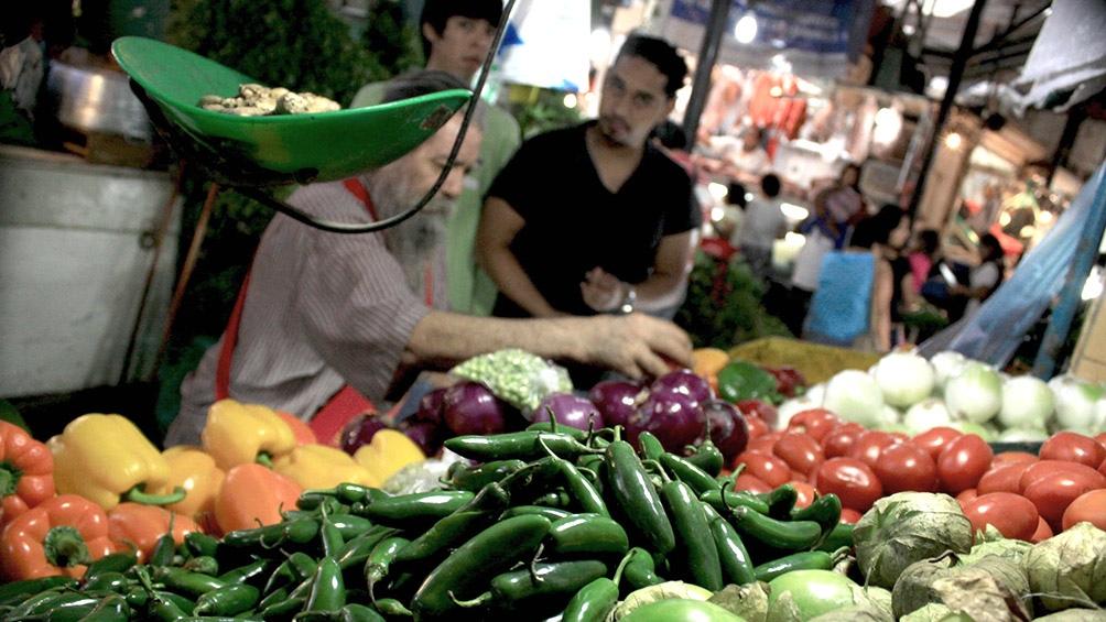 El gobierno busca controlar los precios de frutas y verduras