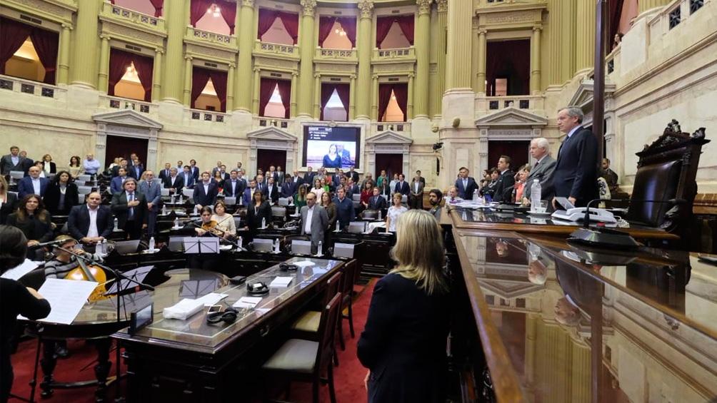 Videollamadas y reuniones virtuales, la actividad del Congreso