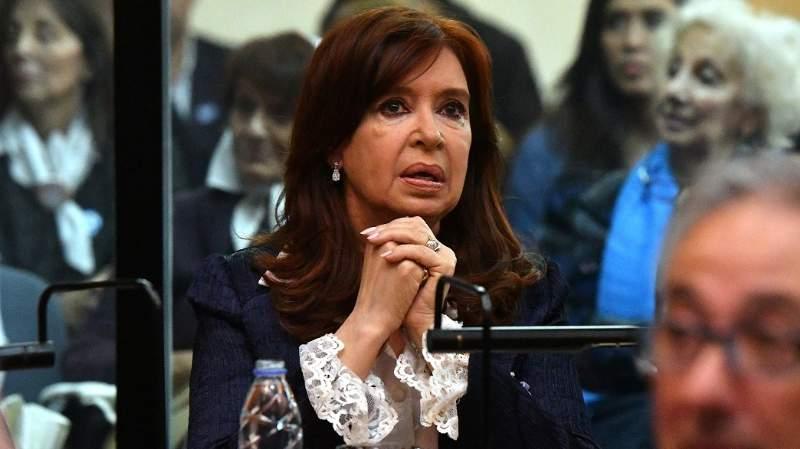 Reapareció Cristina Kirchner: puso la responsabilidad de gobierno sólo en el Presidente y cuestionó a funcionarios