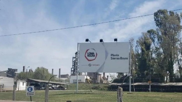 Loma Negra cierra la fábrica desde la que se hizo el primer despacho de cemento del país