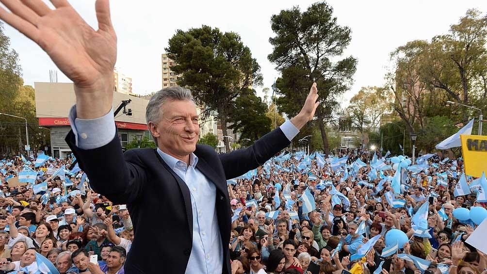 Macri levanta el perfil: enoja al oficialismo y sacude a la oposición