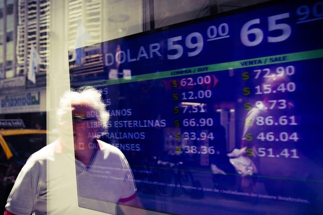 Más especulaciones sobre qué pasará el lunes: ¿más cepo o feriado cambiario?