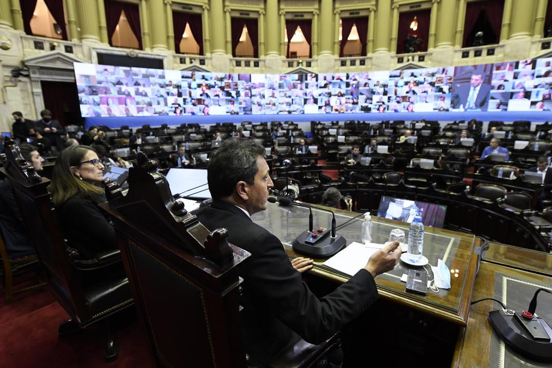 Otro gesto político: aprueban la ley para la deuda en dólares bajo legislación local