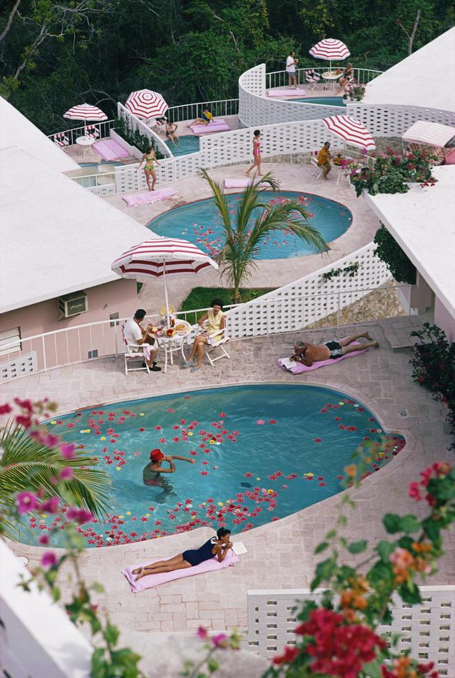 Alquilar un hotel completo, reservar una isla, volar en jet…