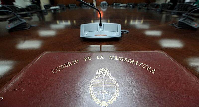 El gobierno coronó en la Magistratura su ofensiva contra diez jueces