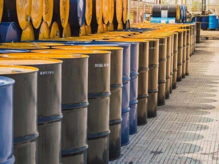 El Gobierno estudia cambiar el precio del barril criollo