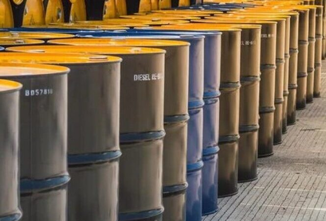 Apuestas contemplan el crudo a US$100 por barril para fines de 2022