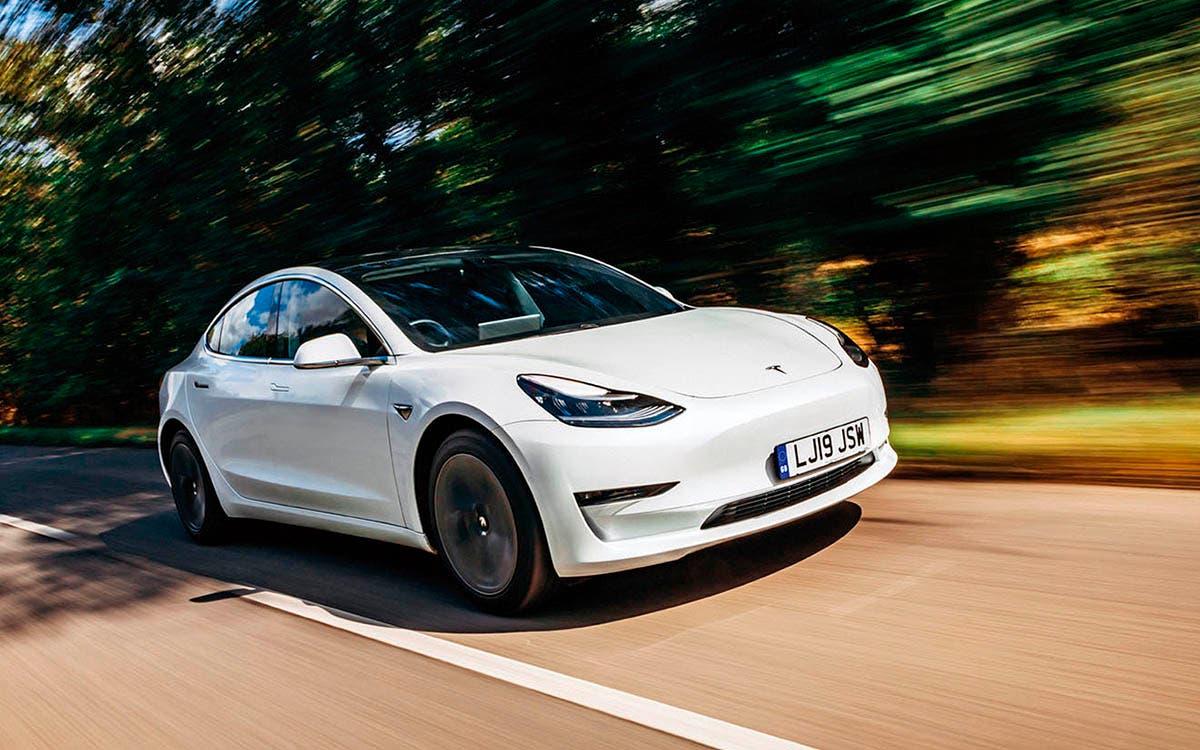 Elon Musk de prioridad a ofrecer un utilitario más pequeño y más asequible