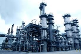 Conflicto salarial provoca paro en las refinerías desde las 0:00 hs