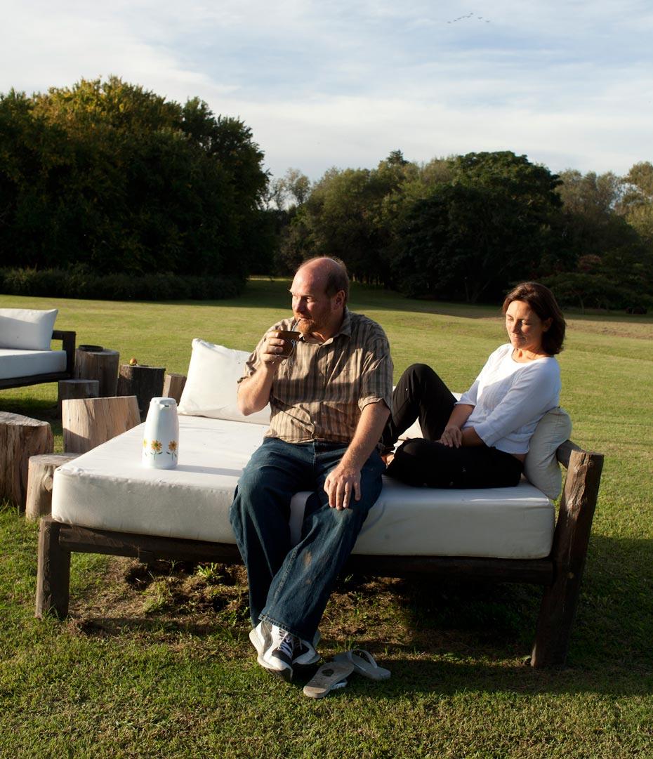Grobocopatel se suma al éxodo y se radica en Uruguay