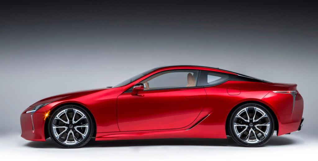 La coupé de Lexus para el Segmento E se posiciona por encima de la coupé RC lanzada en mayo de 2019 completa la gama