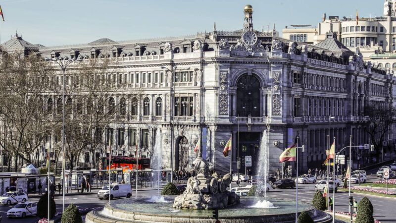 España: La banca compra 38.000 millones de euros en bonos desde marzo