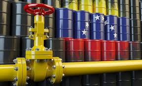 Maduro evalúa la situación para abrir el negocio petrolero