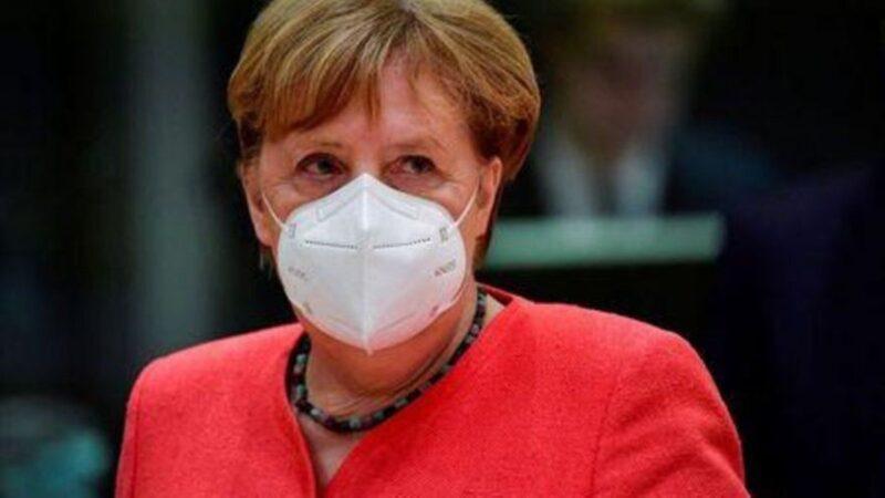 Merkel no apoya la propuesta de otorgar patentes a las vacunas