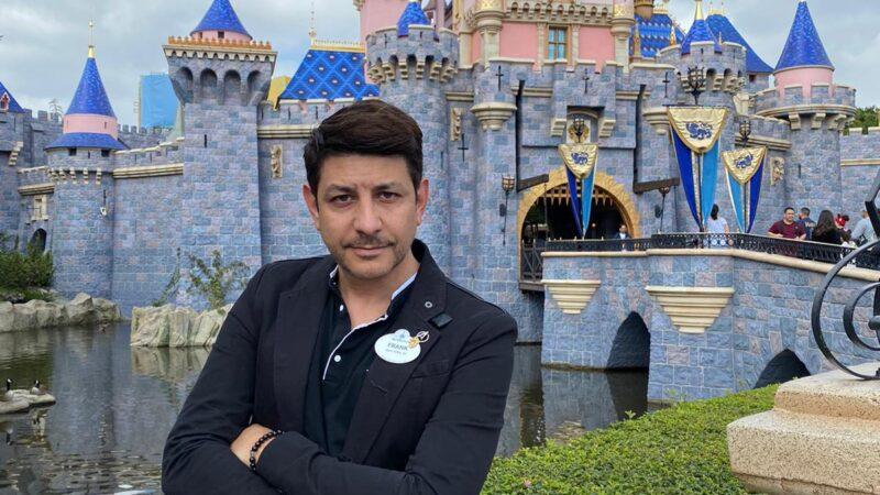 """D' Costa, de Disney: """"La magia no está muerta, espera regresar lo antes posible al alcance de todos"""""""