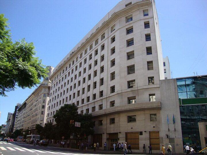 YPF vendió edificio en el centro porteño