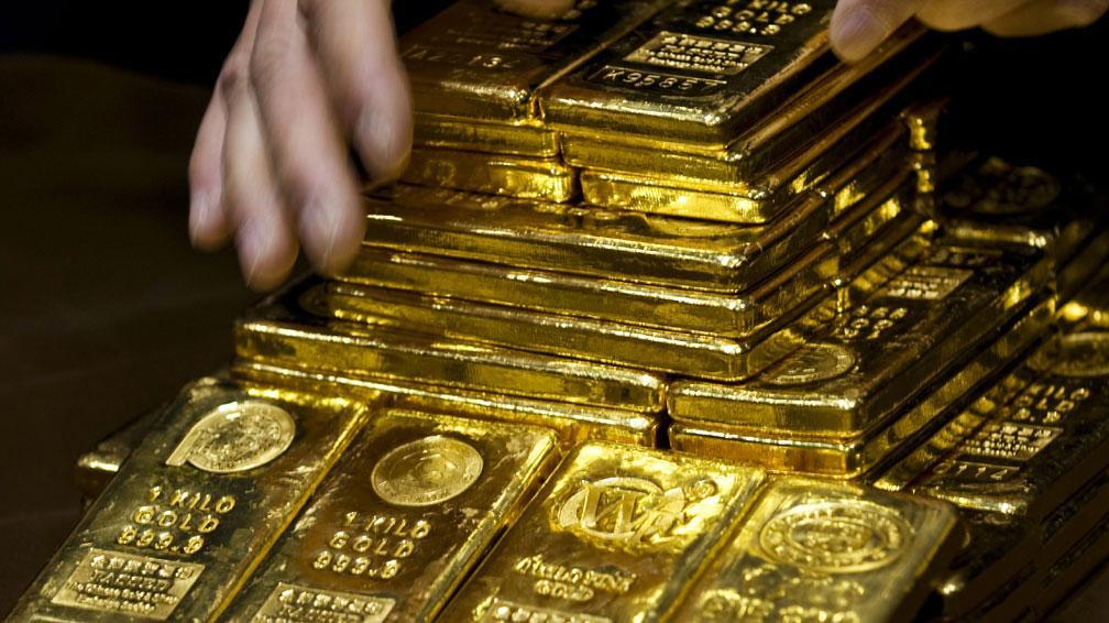 El oro en caída por la fortaleza del dólar