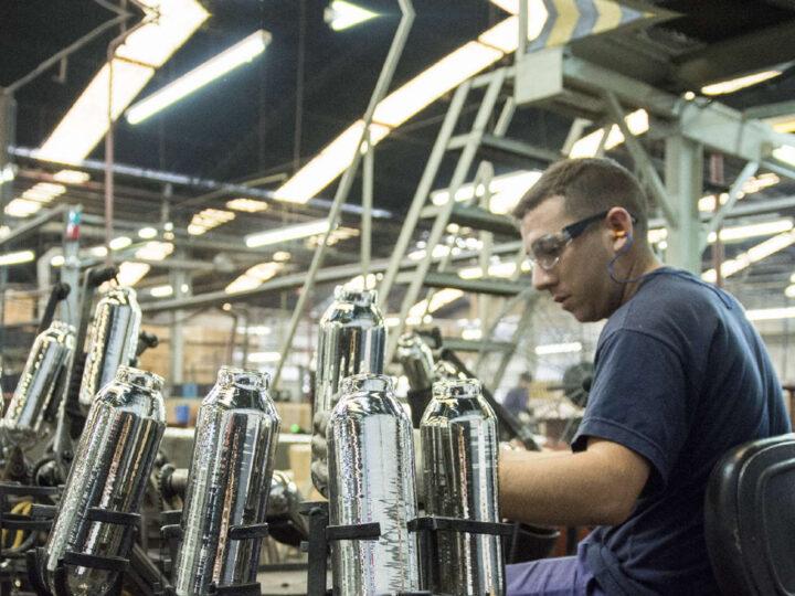 La recuperación industrial más rápida de la región