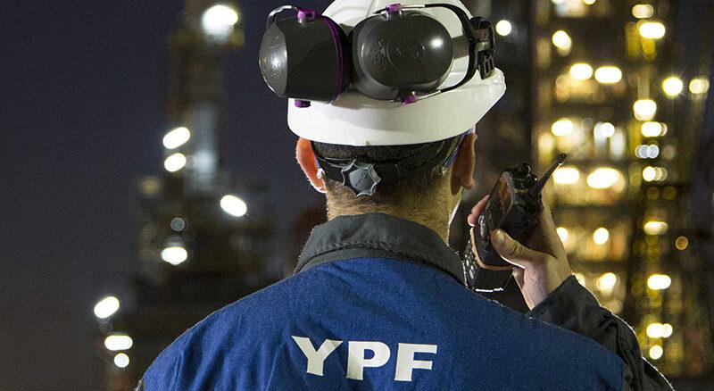 YPF recibió una nueva mejora de calificación crediticia