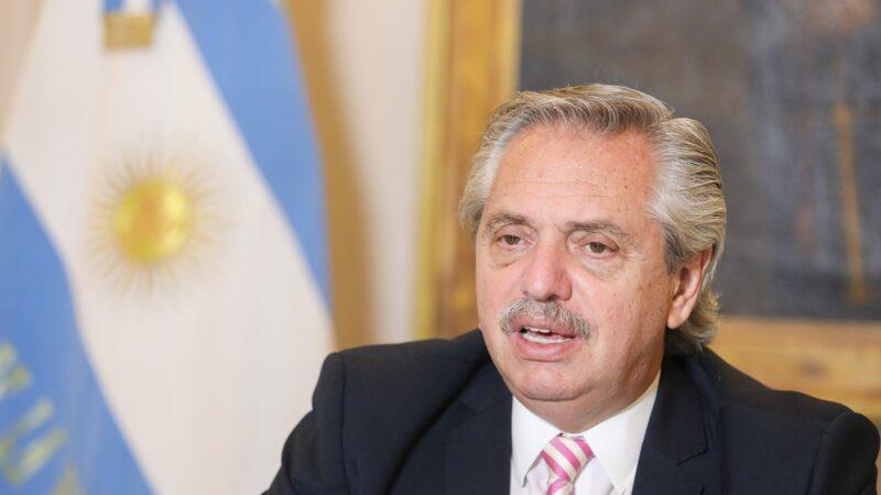El oficialismo muestra tres ejes para volver a la campaña: críticas a Macri, fin de la pandemia y asistencia económica