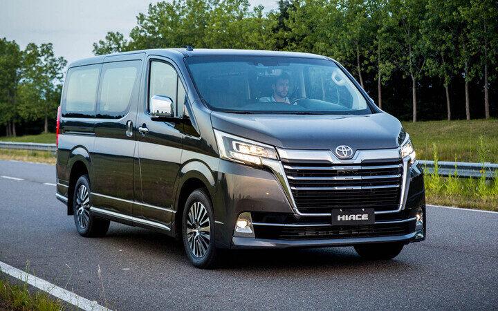 Toyota lanza en Argetnina Toyota Hiace Wagon y Commuter