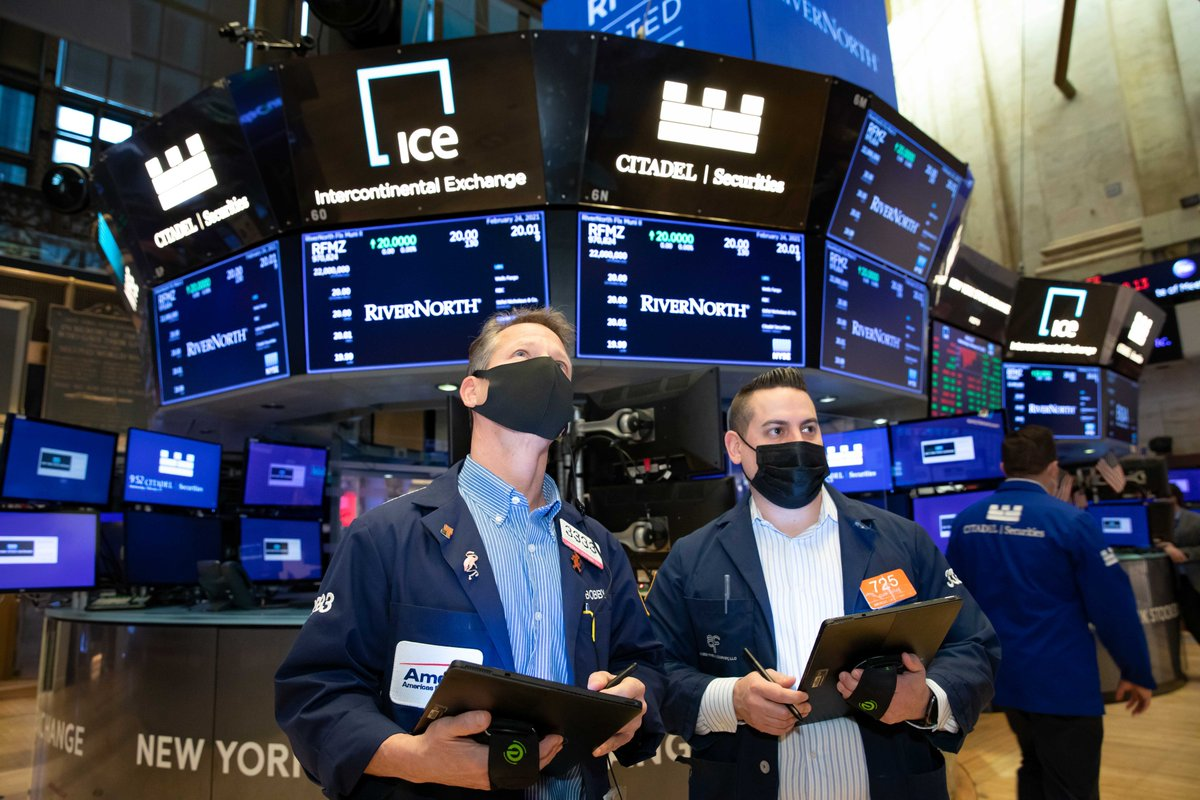 Cifras del empleo empujaron arriba a Wall Street