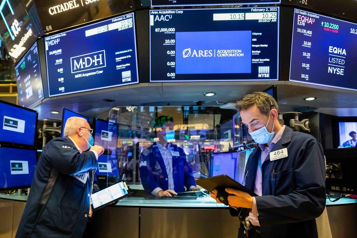 Niveles récord y ganancias en Wall Street