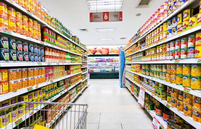 Alimenticias aumentan los precios y presionan con la entrega de productos