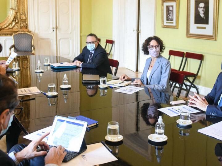 La cargada agenda del gabinete previo  las elecciones